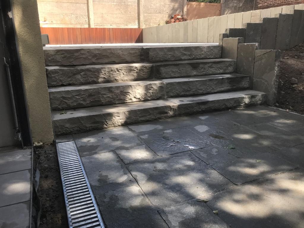 28 Escalier - Terrasse - Pavage - Kandla - Aménagement extérieur - Laurent Hubert