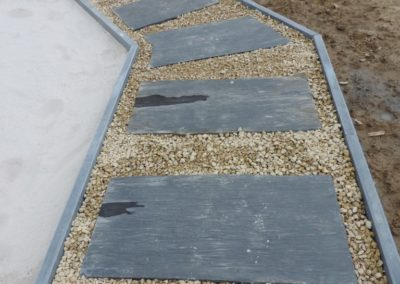6 Pas japonais en ardoise - Grès beige - Bordure pierre bleue - Stella step - Aménagement extérieur - Laurent hubert