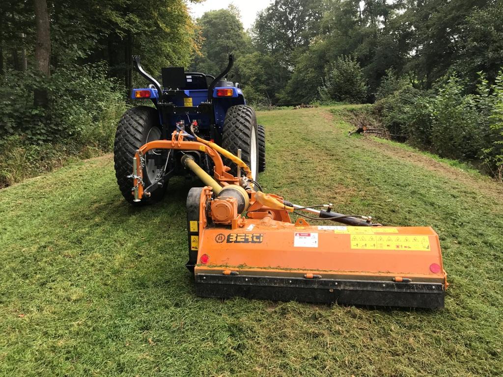6 Tracteur iseki tle4490 - Gyrobroyage - Entretien régulier - Entretien forestier - Chasse - Laurent Hubert